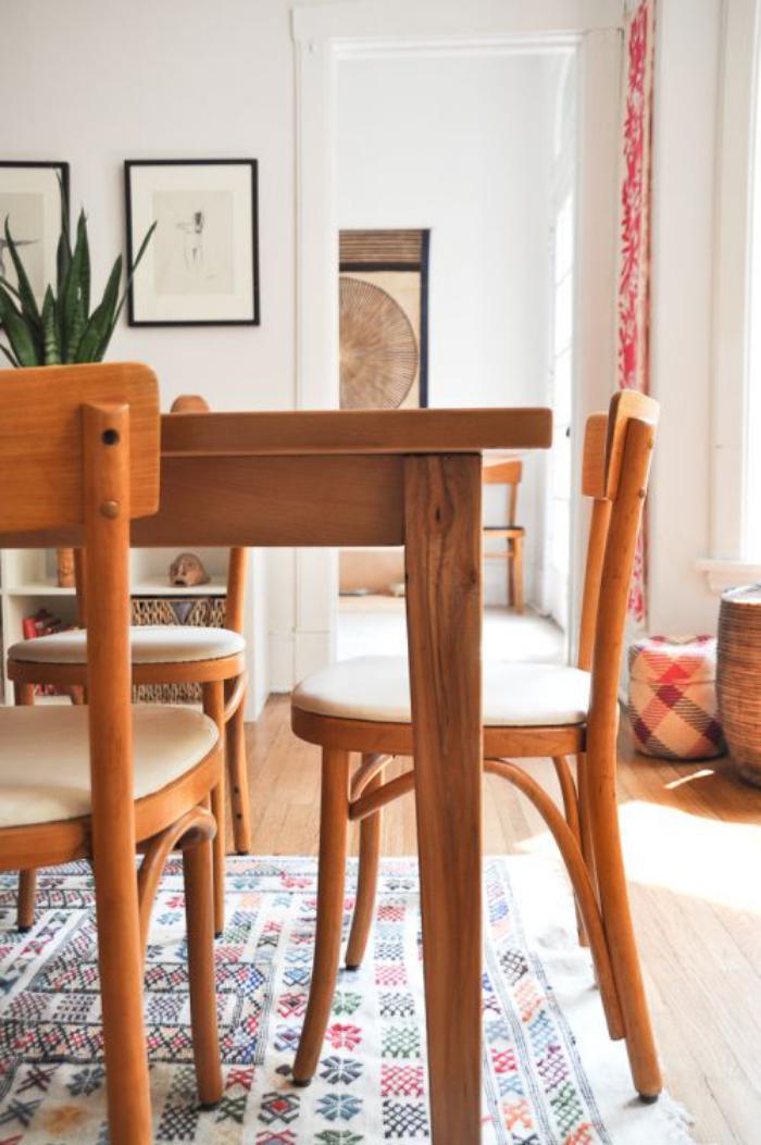 chaise-thonet-vintage-chaises-et-table-meubles-icônes-du-design