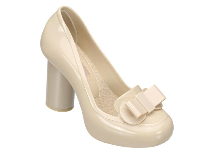 chaussures-melissa-au-grand-noeud-devant-blanches-resized