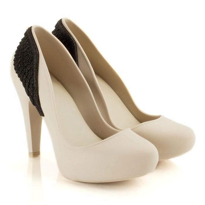 chaussures-melissa-beige-et-noir-chic-glamour-resized