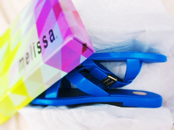 chaussures-melissa-bleu-de-mer-sandales-ultra-confortables-resized