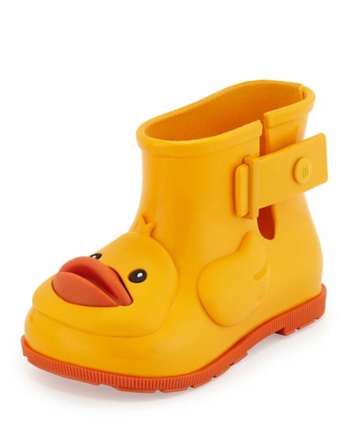 chaussures-melissa-bottes-d'-enfant-avec-un-canard-sympathique-resized
