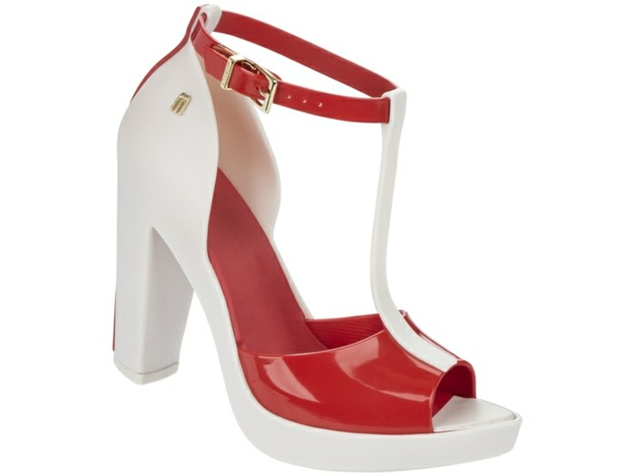 chaussures-melissa-en-rouge-et-blanc-resized