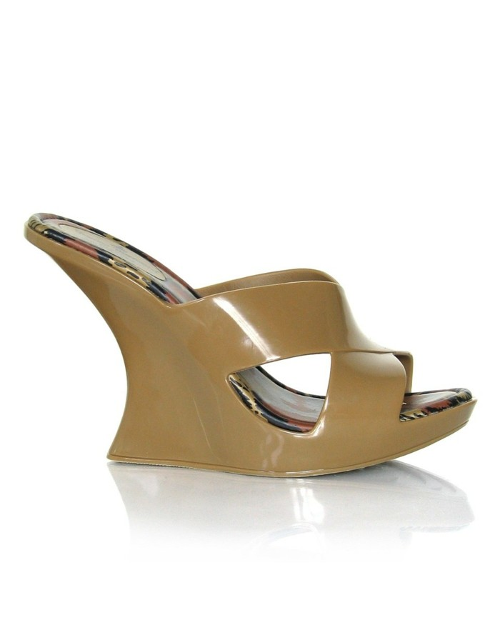 chaussures-melissa-marron-clair-compensees-resized