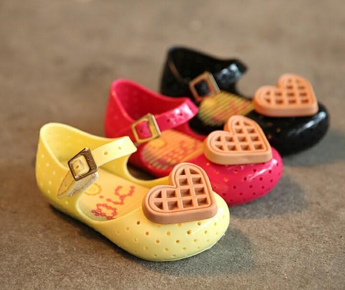 chaussures-melissa-mini-ballerines-pour-les-petites-filles-resized