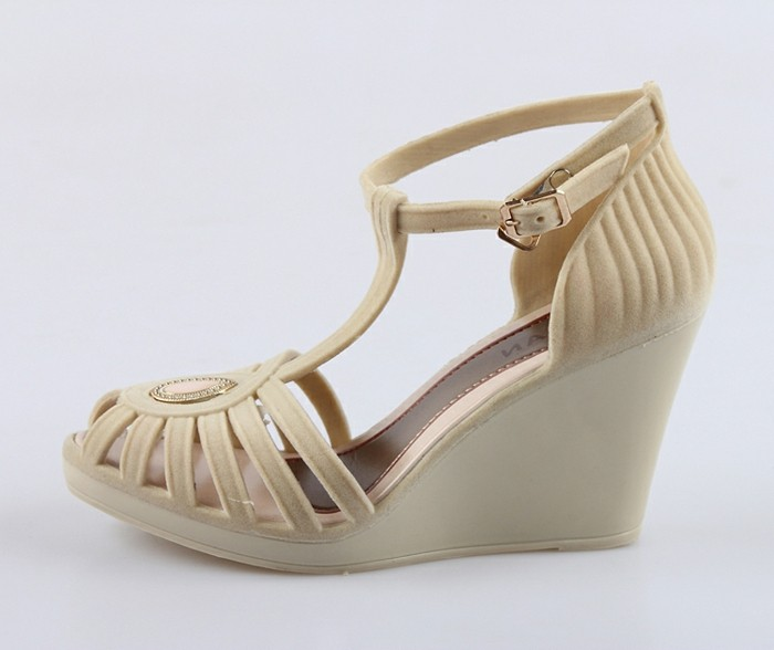 chaussures-melissa-sandales-a-plateformes-resized