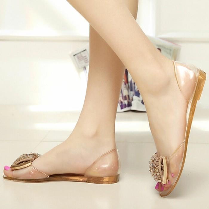 chaussures-melissa-transparentes-de-cote-resized