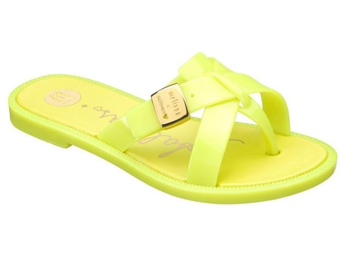chaussures-melissa-vert-fluo-pour-le-quotidien-resized