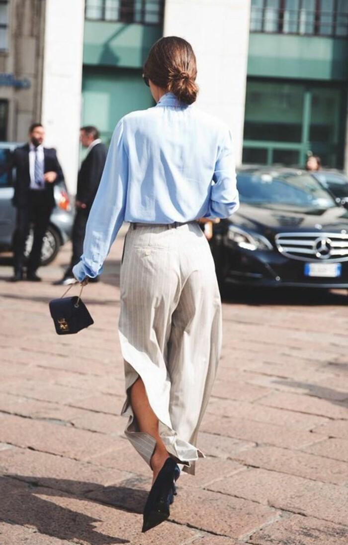 chemise-bleu-clair-pantalon-beige-tendances-de-la-mode-femme-printemps-ete-femme