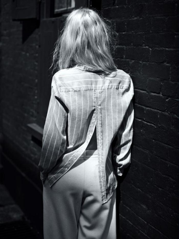 chemise-rayée-femme-avec-grande-fente-au-dos