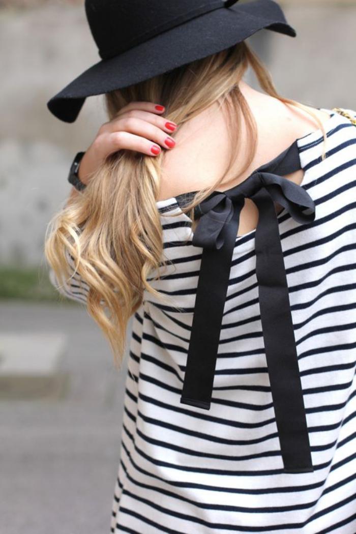 chemise-rayée-femme-avec-ruban-noir-au-dos