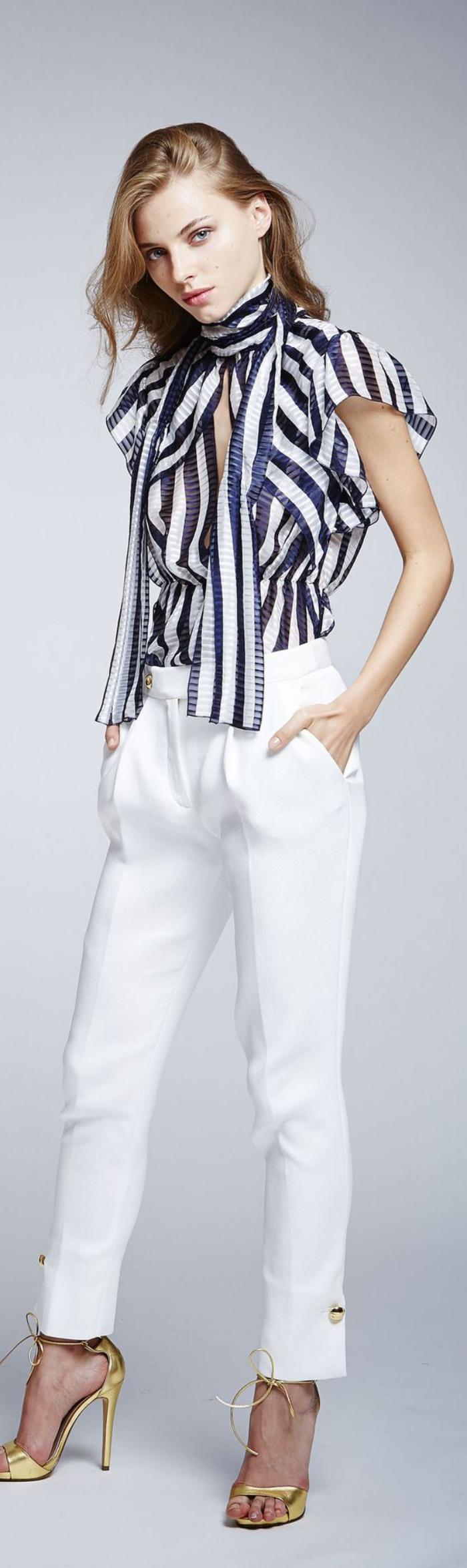chemise-rayée-femme-outfit-classy-avec-chemisier-rayé