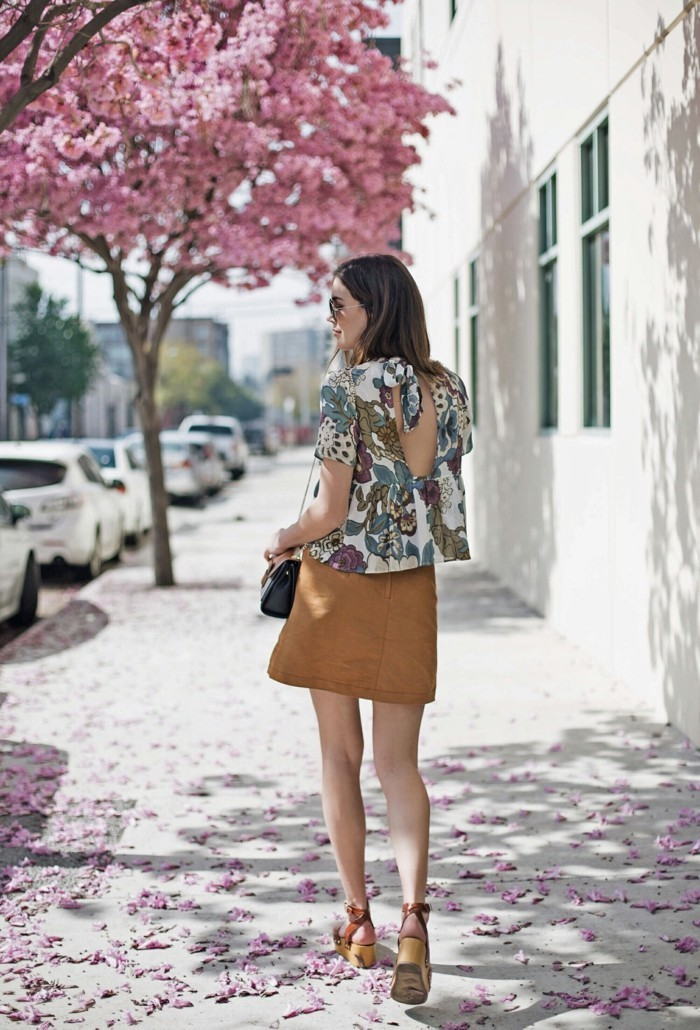 chemisier-fleuri-Zara-tendance-dos-denude-resized