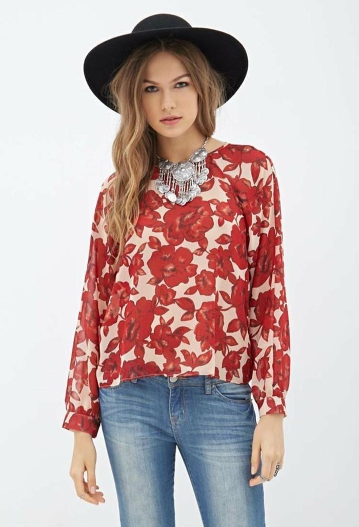 chemisier-fleuri-cow-girl-au-chapeau-resized