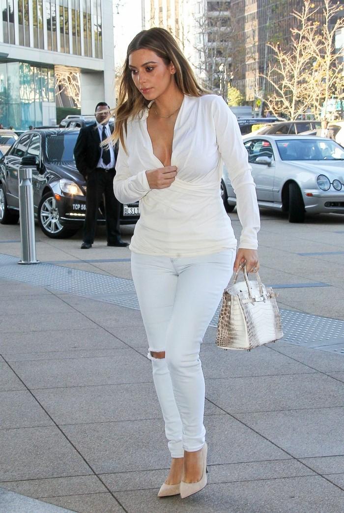 chic-jean-skinny-femme-tenue-bohème-Kim-total-blanc