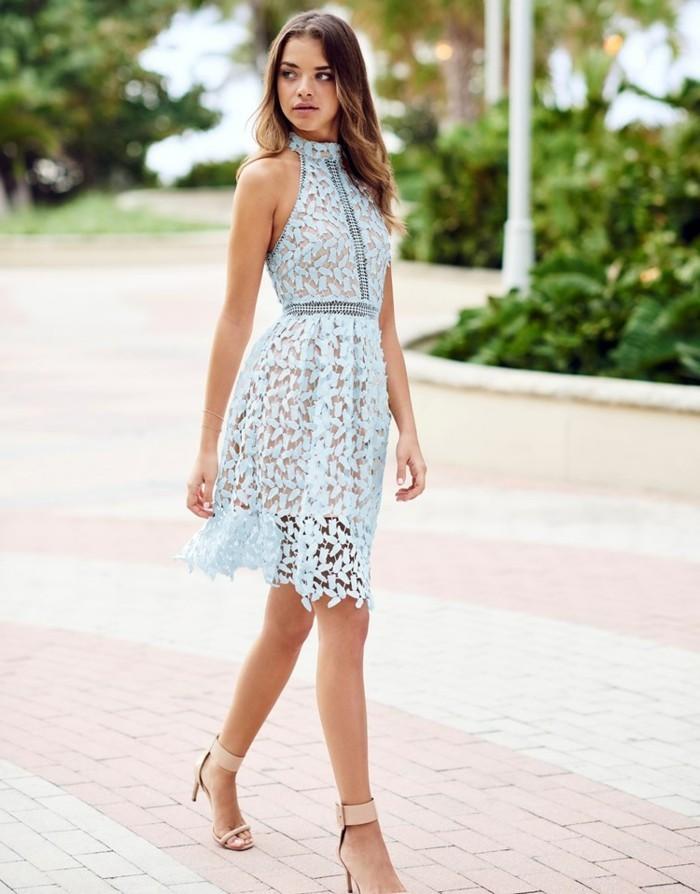 chic-robe-dentelle-noire-courte-cool-été