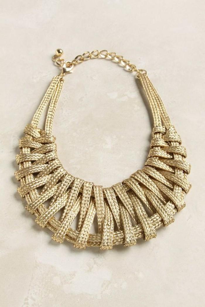 comment porter avec style le gros collier With bijoux en gros