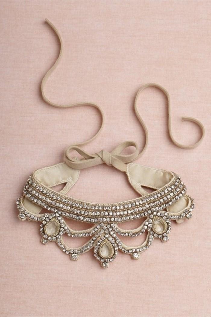 collier-plastron-pas-cher-tendances-chez-les-bijoux-femme-collier-plastron-femme
