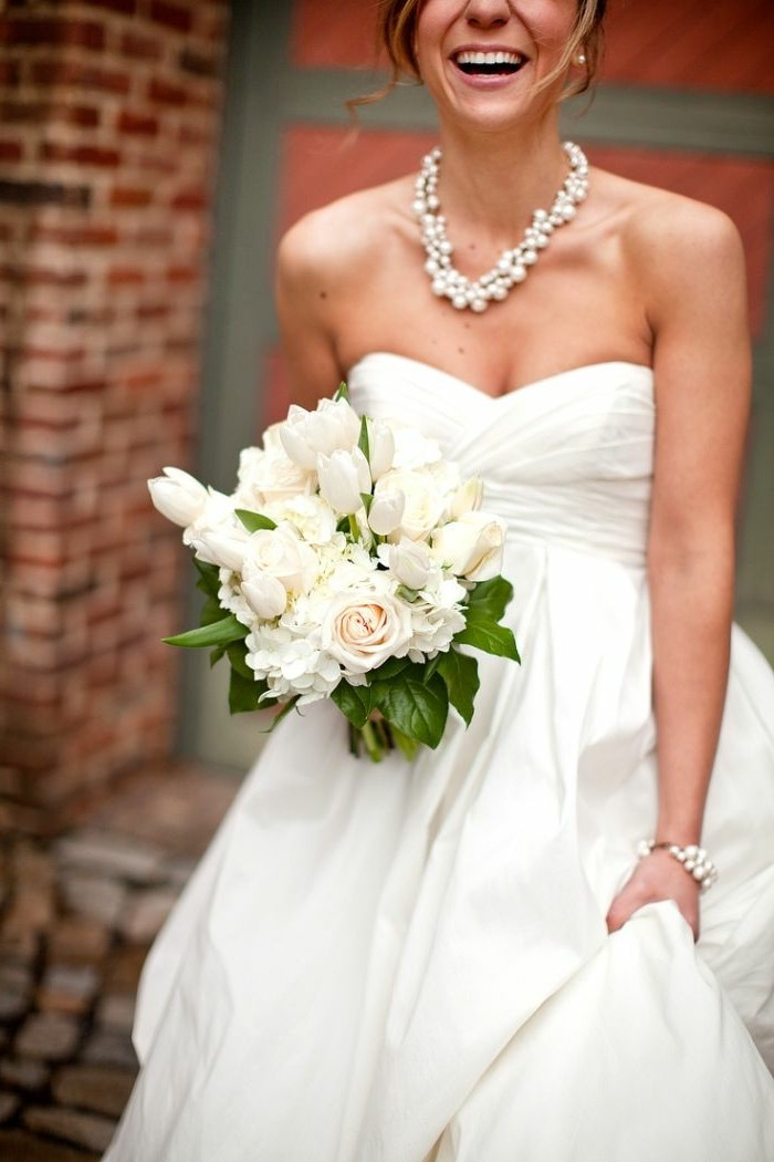 collier-pour-mariee-bouquet-jolie-bijoux-de-tete-mariage