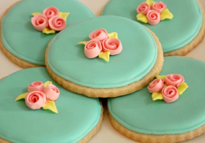 comment-faire-des-biscuit-bien-décorés-tout-bleu