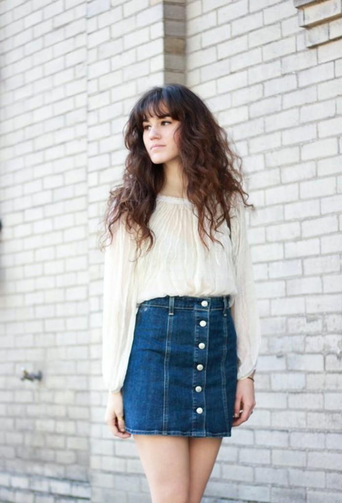 comment-porter-une-jupe-taille-haute-jupe-trapeze-femme-blouse-blanche