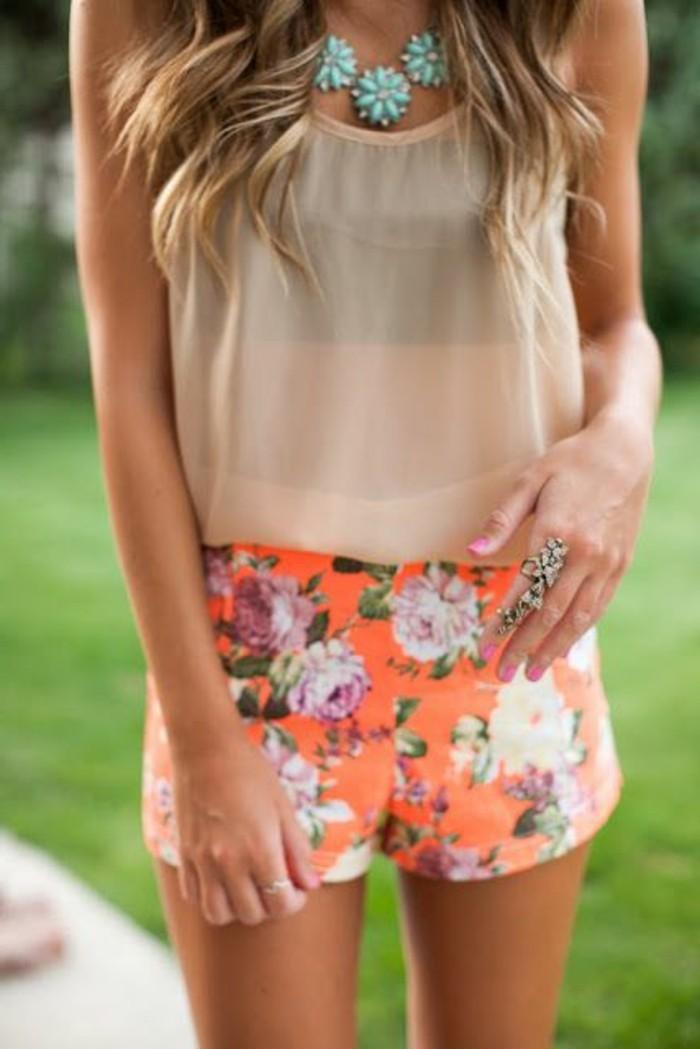 cool-femme-idée-pour-votre-tenue-short-fluide-noir-orange