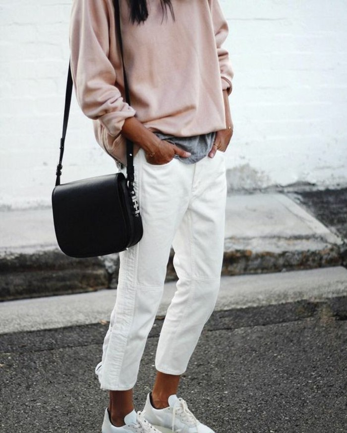 cool-jean-femme-blanc-tenue-porter-pull-rose