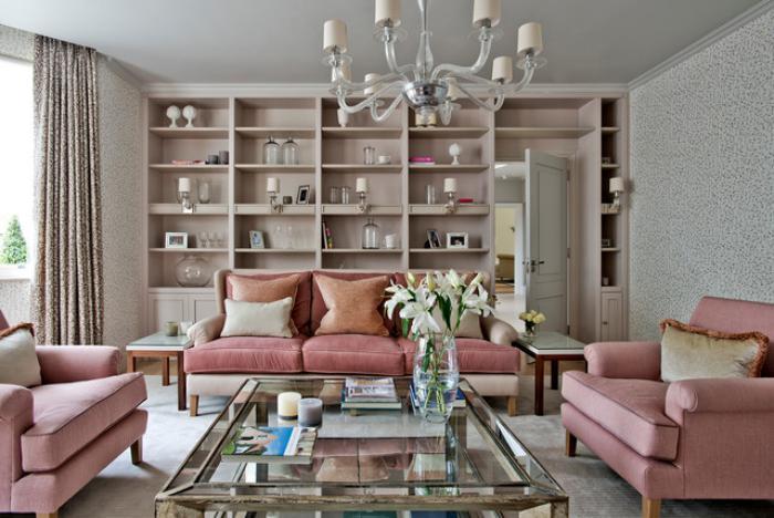 couleur-rose-poudré-salon-élégant-en-rose-et-gris-pâle