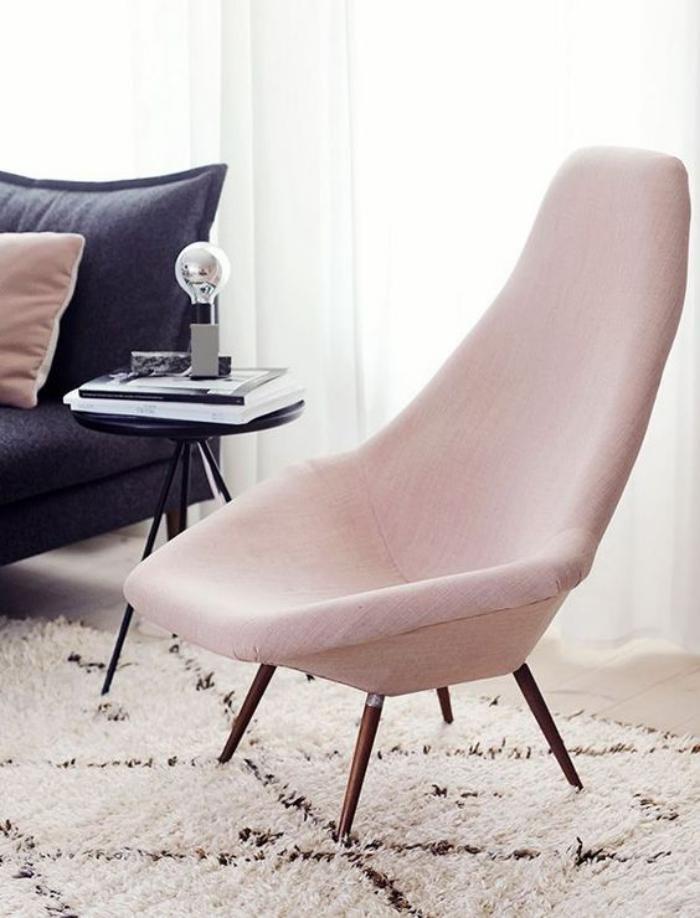 couleur-rose-poudré-chaise-rose-très-douce-et-belle