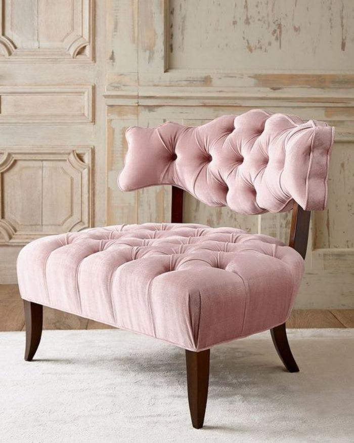 couleur-rose-poudré-chaise-vintage-capitonnée