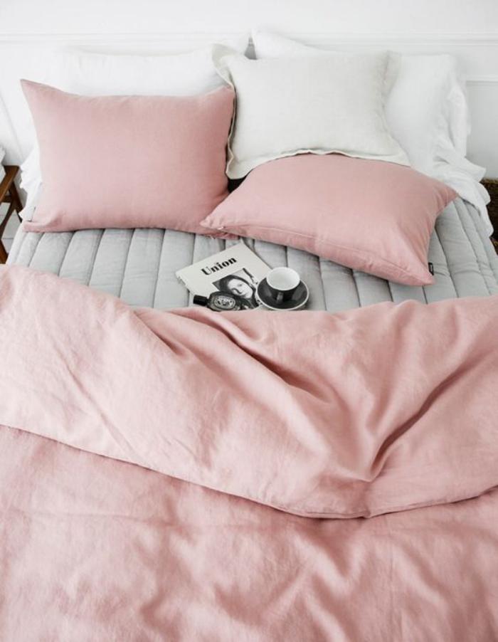 couleur-rose-poudré-couettes-de-lit-roses-pâles