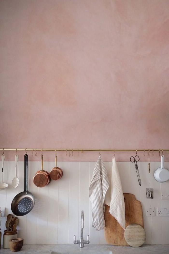 couleur-rose-poudré-déco-murale-de-cuisine-rose-pâle