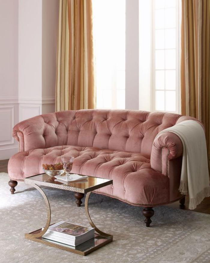 couleur-rose-poudré-grand-sofa-capitonné