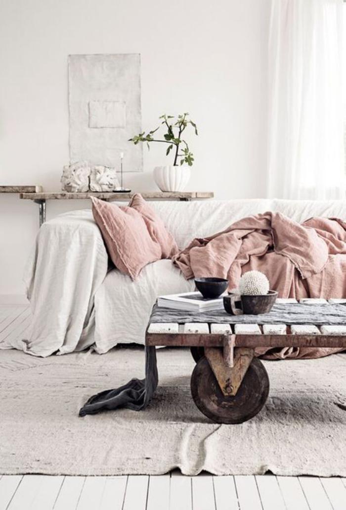 couleur-rose-poudré-salle-de-séjour-unique-en-teintes-douces-et-délicates