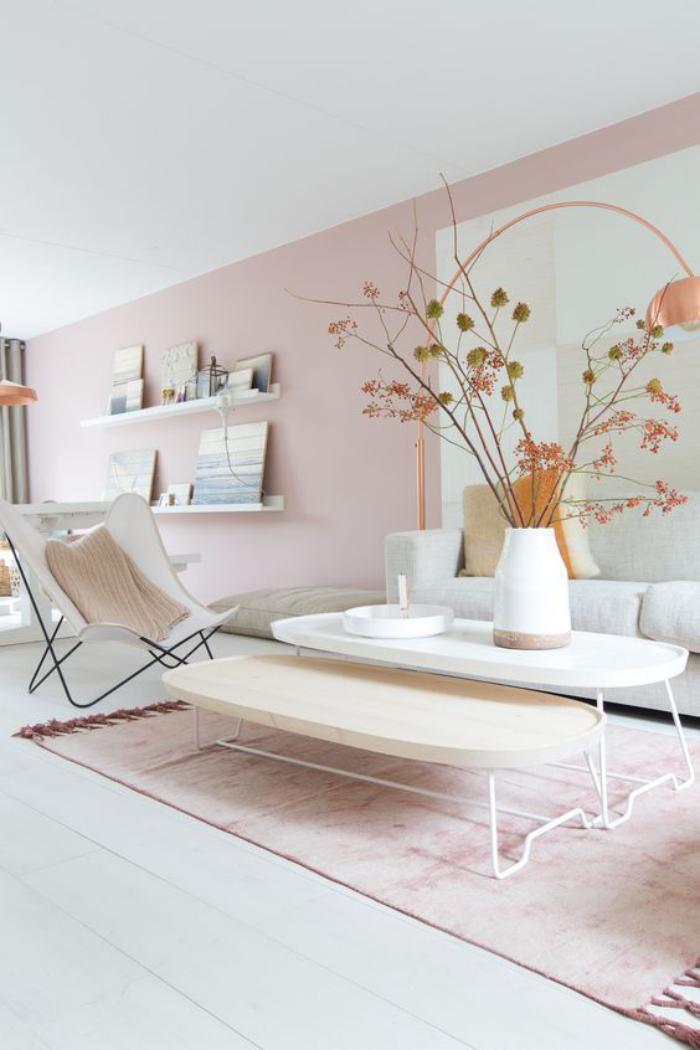 couleur-rose-poudré-salon-lumineux-décoration-en-rose-et-blanc
