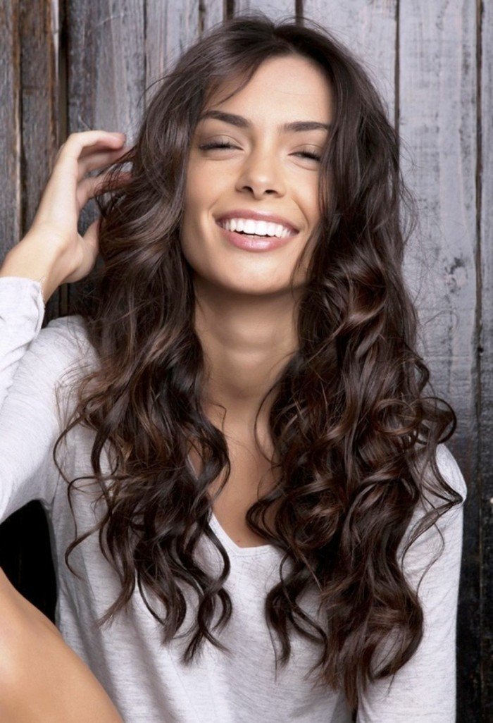Qu Est Ce Que Signifie La Coupe De Cheveux Boucles Archzine Fr