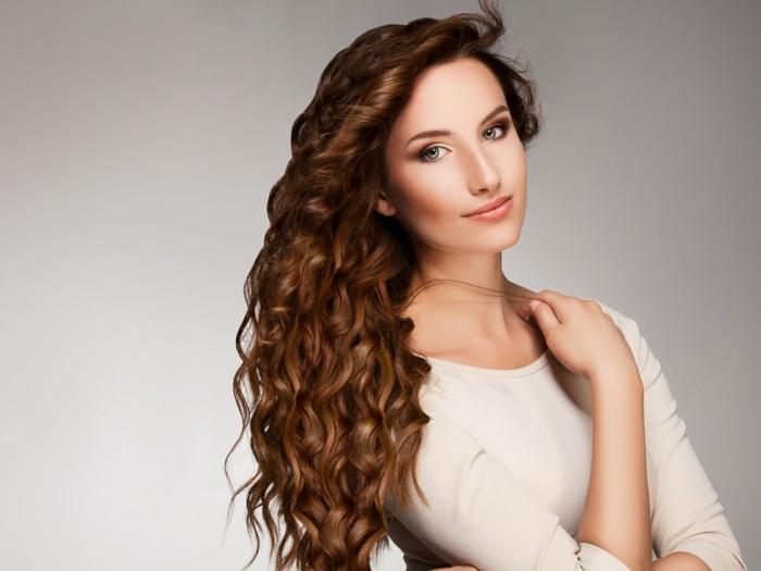 Coiffure cheveux long et boucle