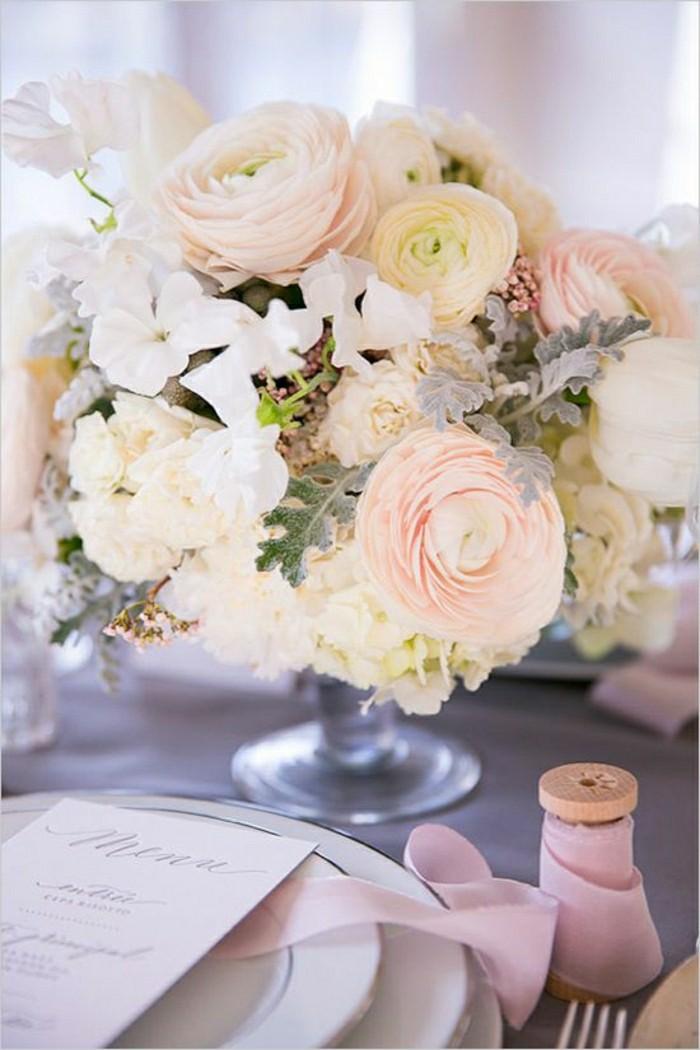 deco-de-table-pas-cher-centre-de-table-avec-cmposition-florale-sur-la-table