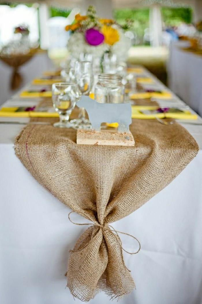 deco-de-table-pas-cher-centre-de-table-de-mariage-chemin-de-table-beige-en-rotin