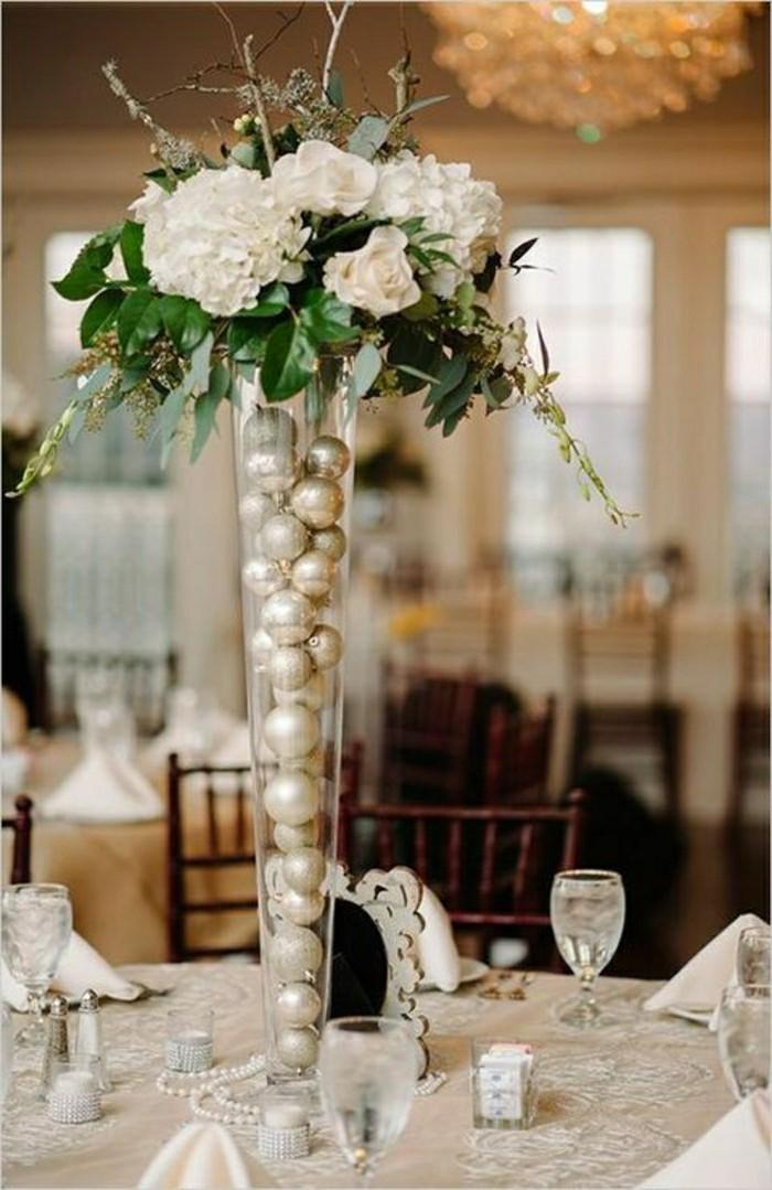 deco-de-table-pas-cher-table-mariage-en-beige-composition-florale-table-mariage
