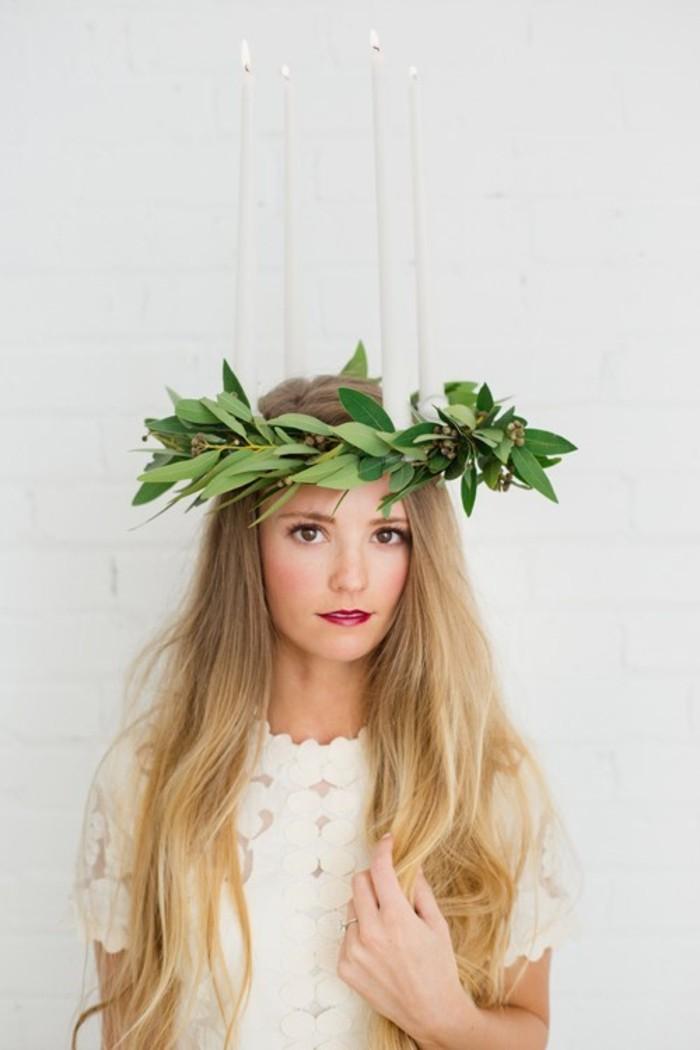 decoration-originale-avec-feuille-pour-herbier-femme-diy-avec-feuilles-herbier-décorat