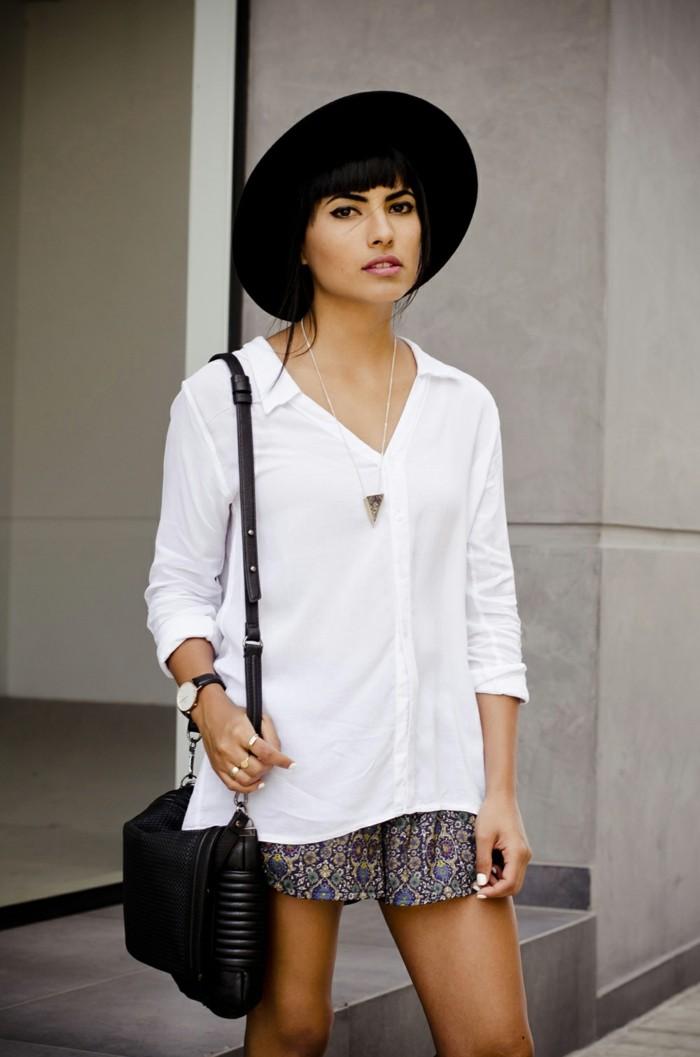excellente-idée-tenue-casuel-short-de-jean-short-minceur-mixa-short-simili-cuir