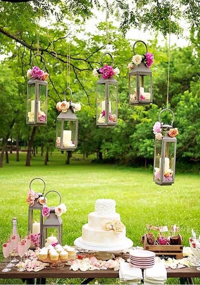 extérieur-decoration-de-table-pour-anniversaire-belle-jardin