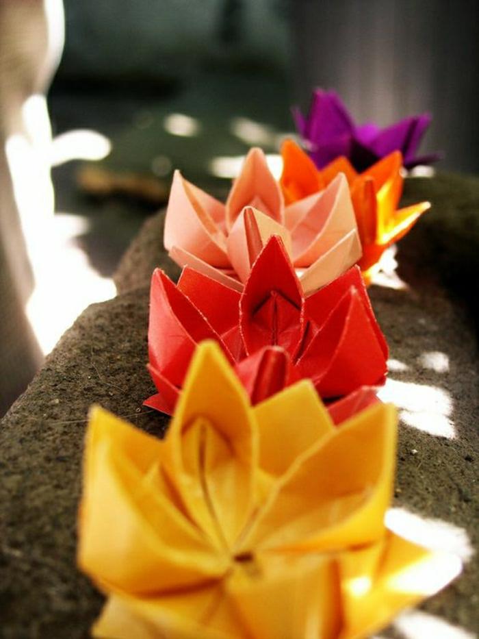 fleur-en-papier-coloré-origami-pour-debutant-origamie-facile-a-faire