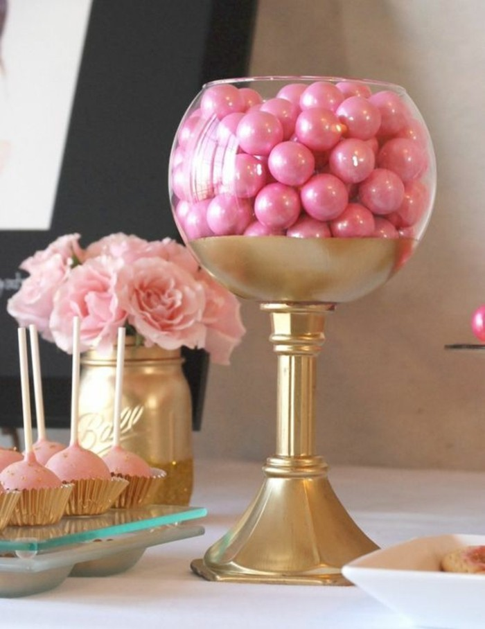 formidable-deco-table-anniversaire-meilleures-idées-à-dorée