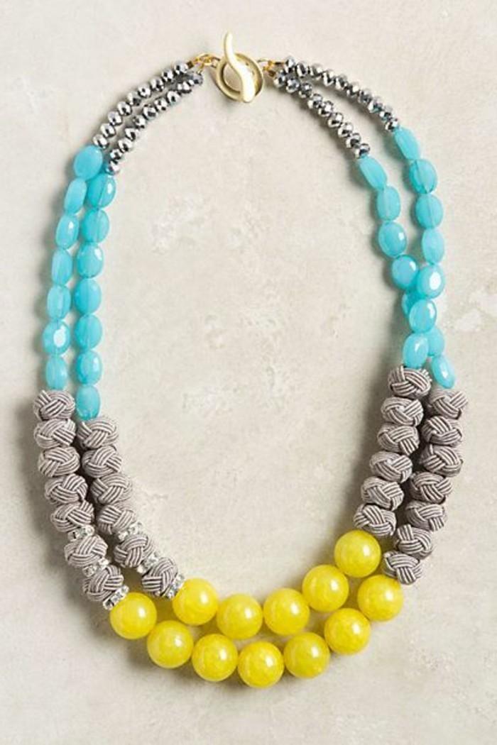 gros-collier-femme-coloré-en-jaune-et-bleu-clair-gris-bijoux-gemo-pas-cher