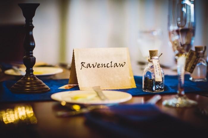 idée-décoration-mariage-poudlard-en-anglais-table