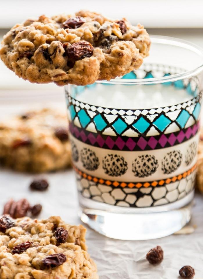 idée-de-gateau-roulé-décoré-joliment-idée-cool-recette-biscuit-décorer-un-gâteau-chouette