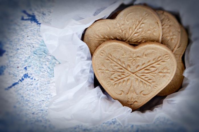 idée-faire-des-cookies-au-chocolat-jolis-recette-sablés-gateaux-de-noel-ou-anniversaire