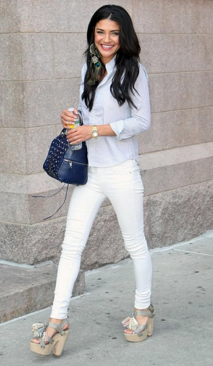 idée-jean-blanc-femme-tenue-chic-vanessa-hudgeness