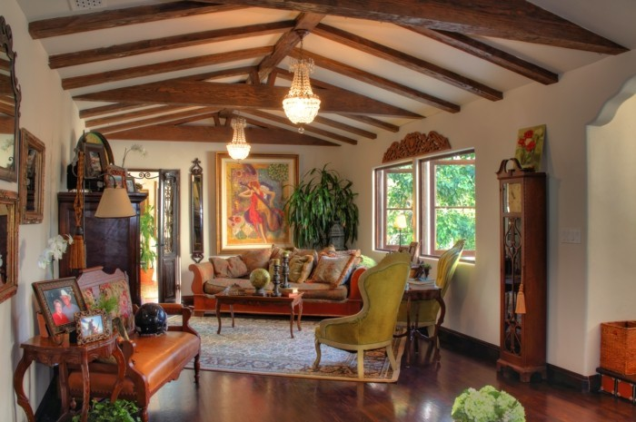 intérieur-maison-style-colonial-idée-décoration-salle-bois